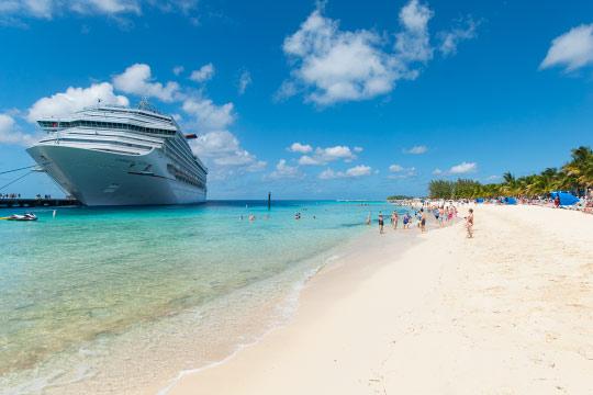 ocean-liner-beach-grand-turk